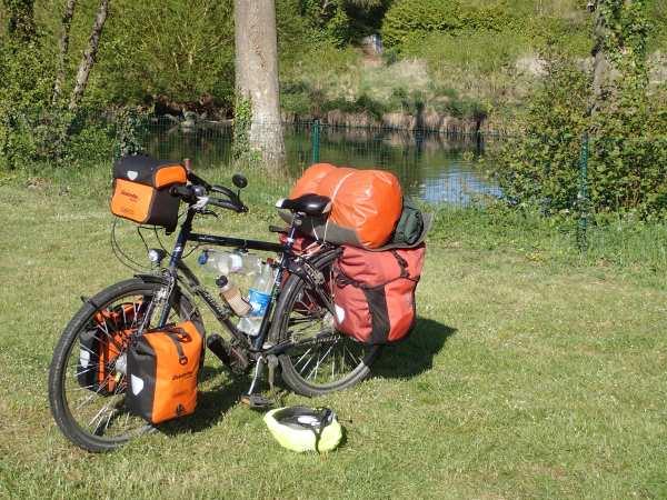 Fahrrad und Ausrüstung (Bildnachweis: http://radreise.schnoor.eu)